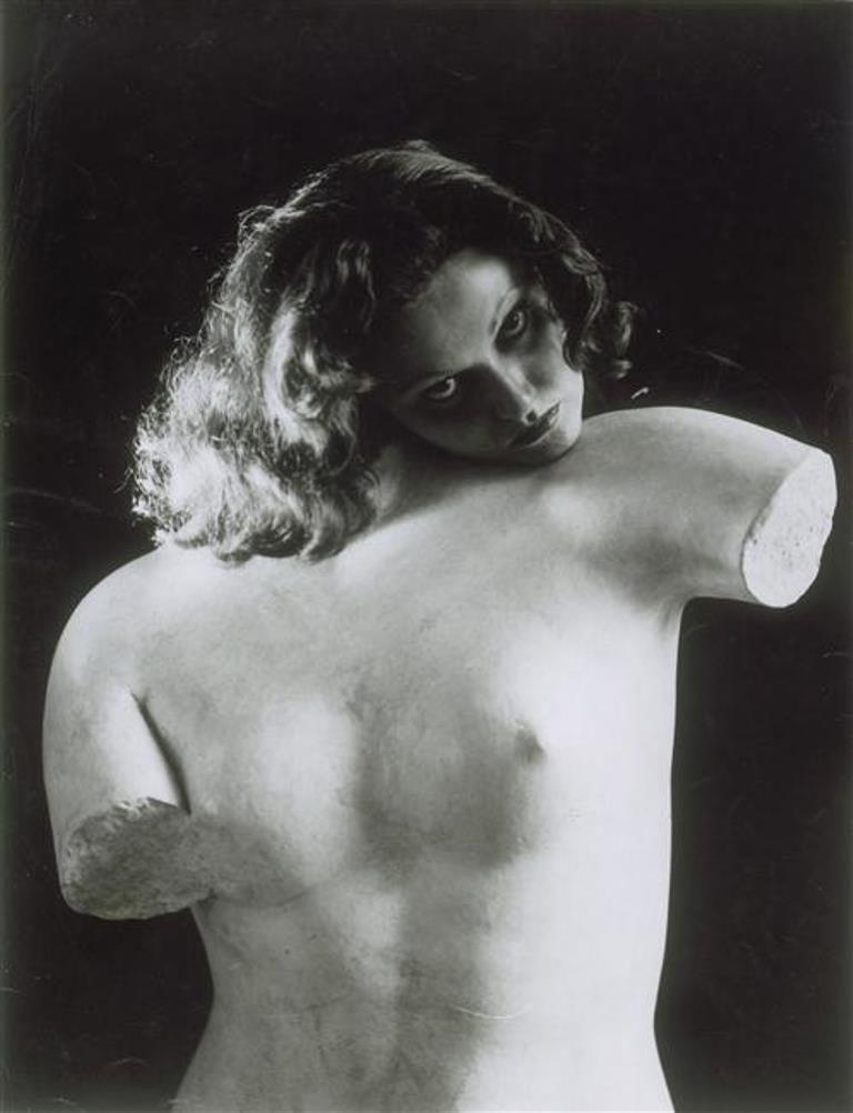 Erwin Blumenfeld. Manina ou L'âme du torse 1934