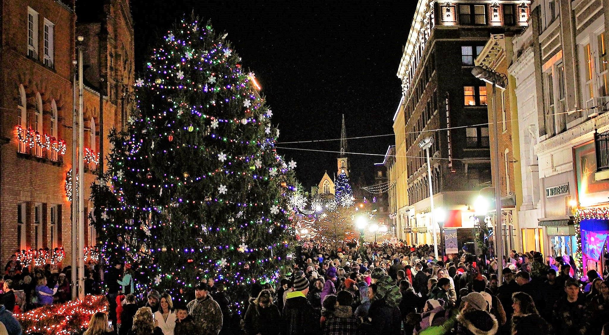 Christmas In These 8 Maryland Towns Looks Like Something