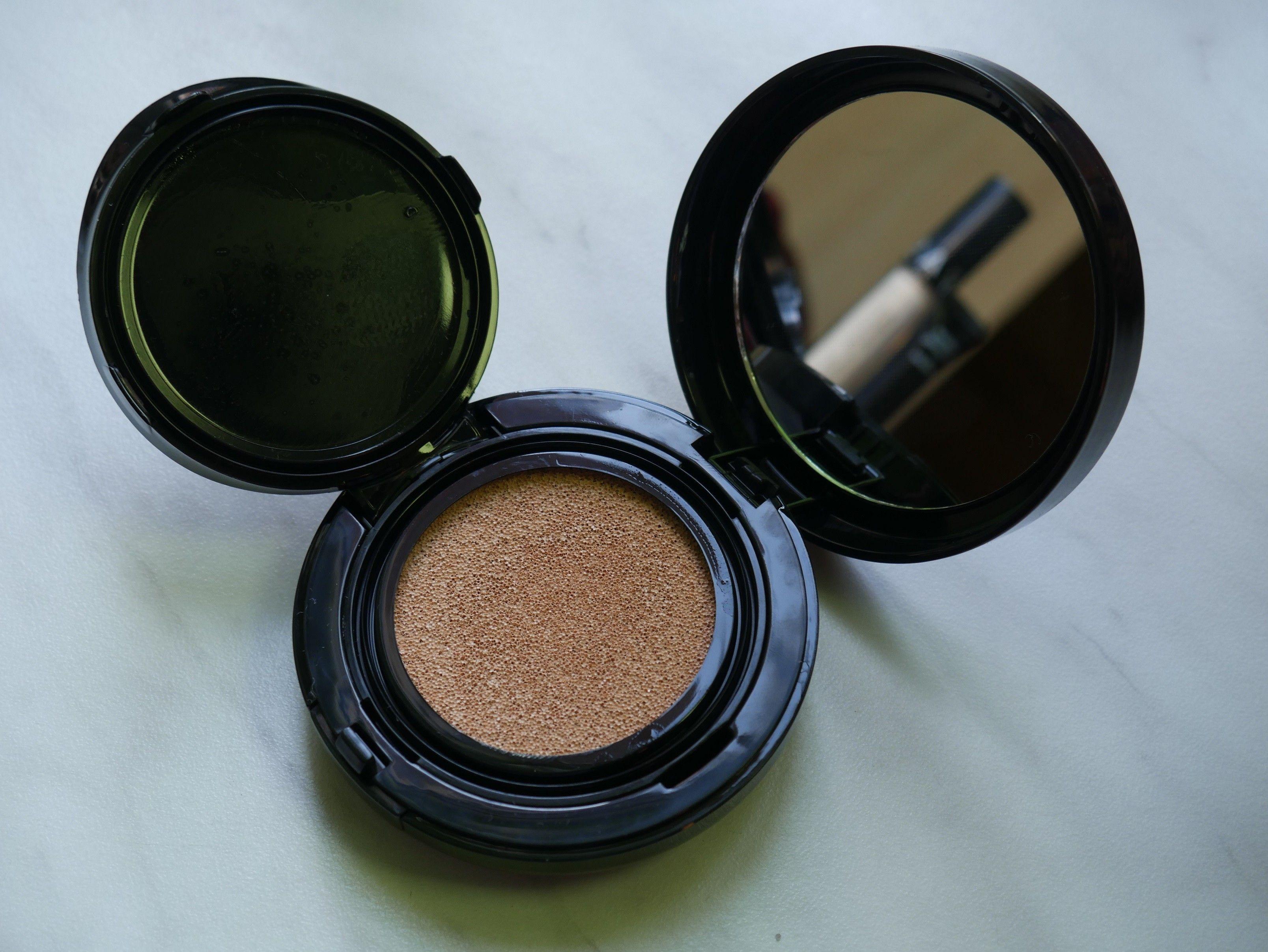 DisneyLady opowie trochę o kosmetykach! http://www.ubieranki.eu/blog/10549/351/podstawowy-makijaz-_-zakupy.html