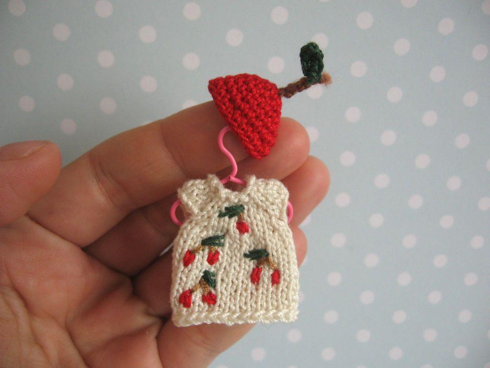 Miniatur Kleid, Mütze für OOAK Baby Mniature polymer clay doll ...