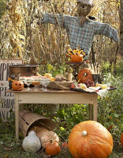 scarecrowvintage decor just love the feeling and look! DECOR - halloween decoration outside