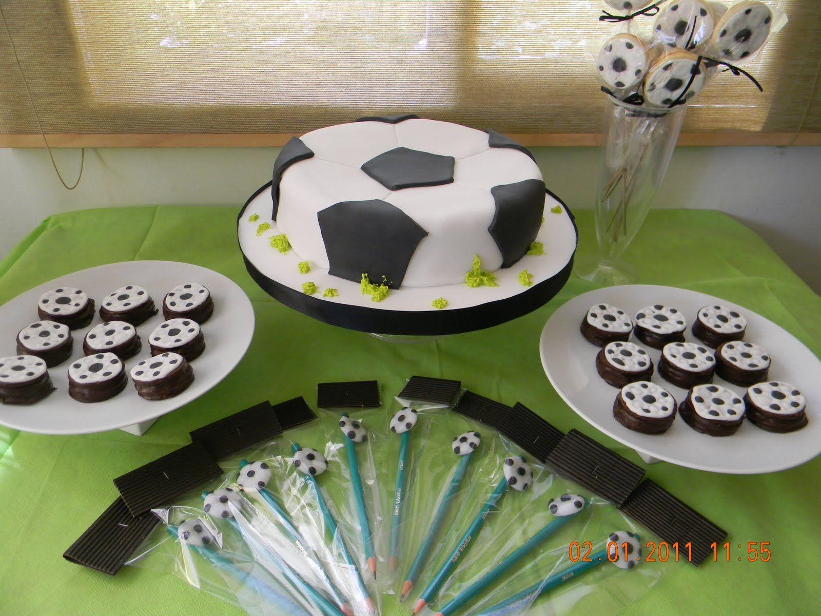 Pastel decorado como pelota de soccer.  291986dd100f6
