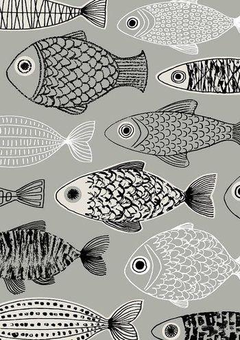 黙々と泳ぐ姿がユニークな魚のテキスタイル。鱗の一枚一枚まで丁寧に観察されています。