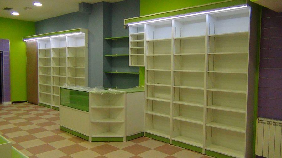 Resultado de imagen para mostradores de madera para tienda for Diseno de muebles para licores