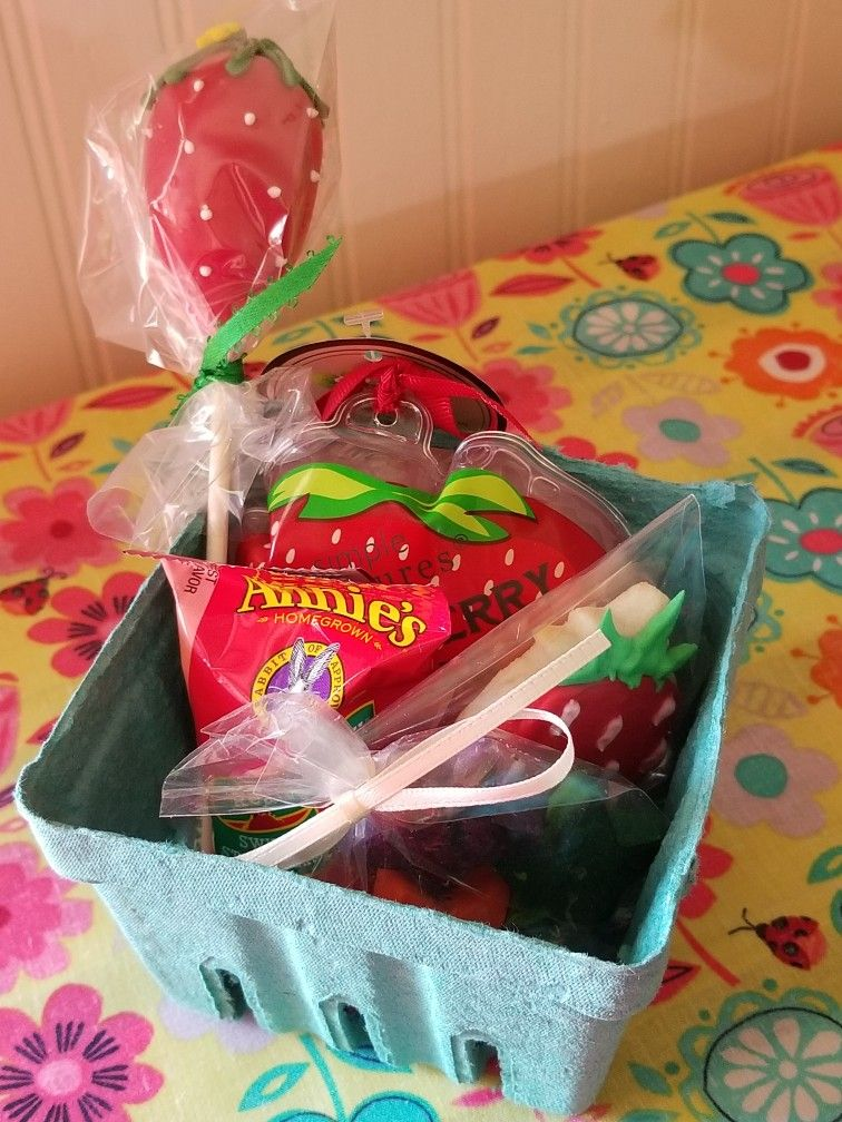 Strawberry themed favors (With images) Farmers market