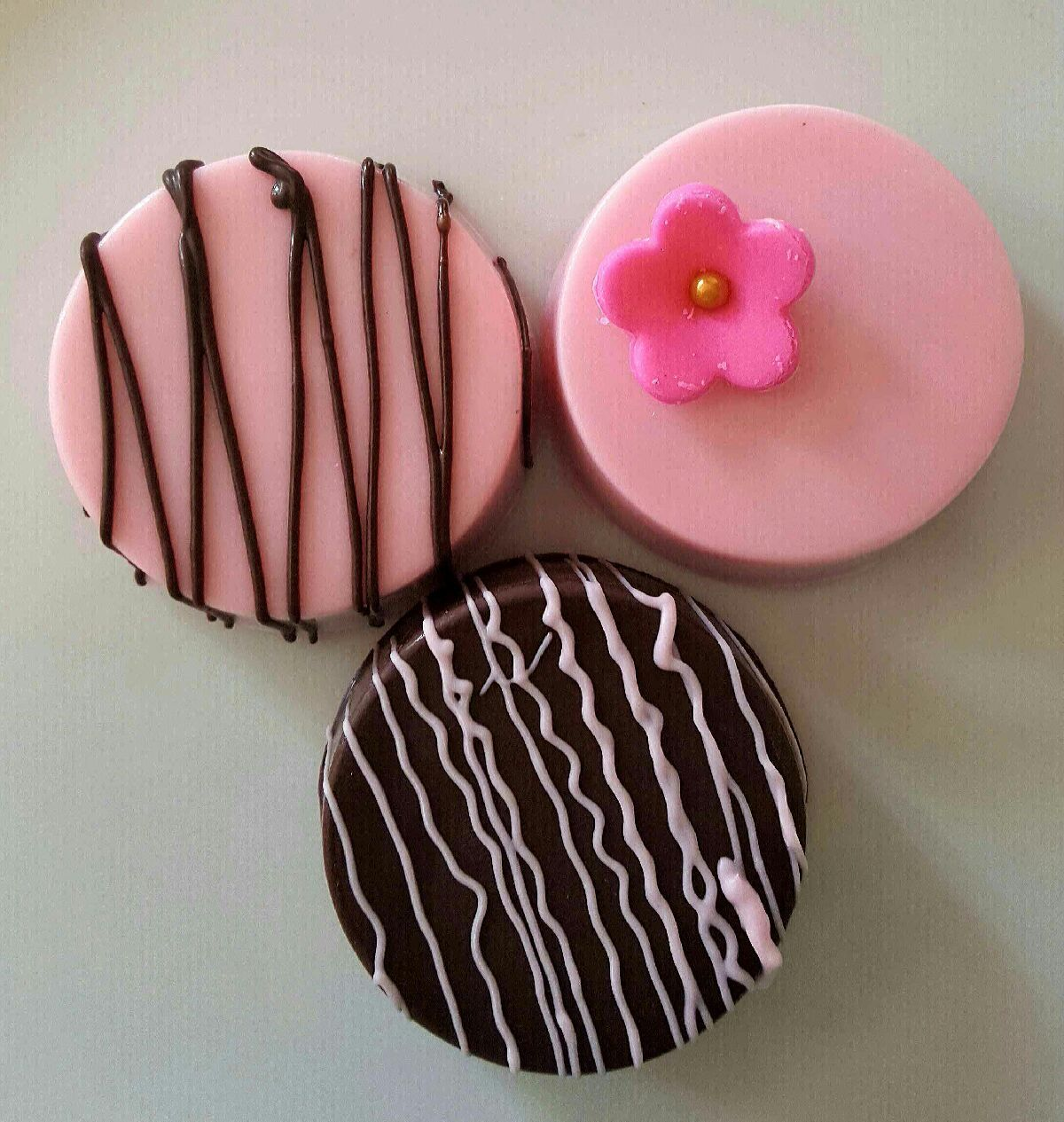 Mothers Day Gift Gourmet Chocolate Covered Oreos Cookies Milk Pink ...