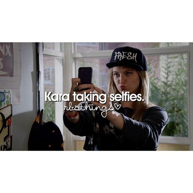 "#RedBandSociety 1x08 ""Get Outta My Dreams, Get Into My Car"" - ""Kara taking selfies"""
