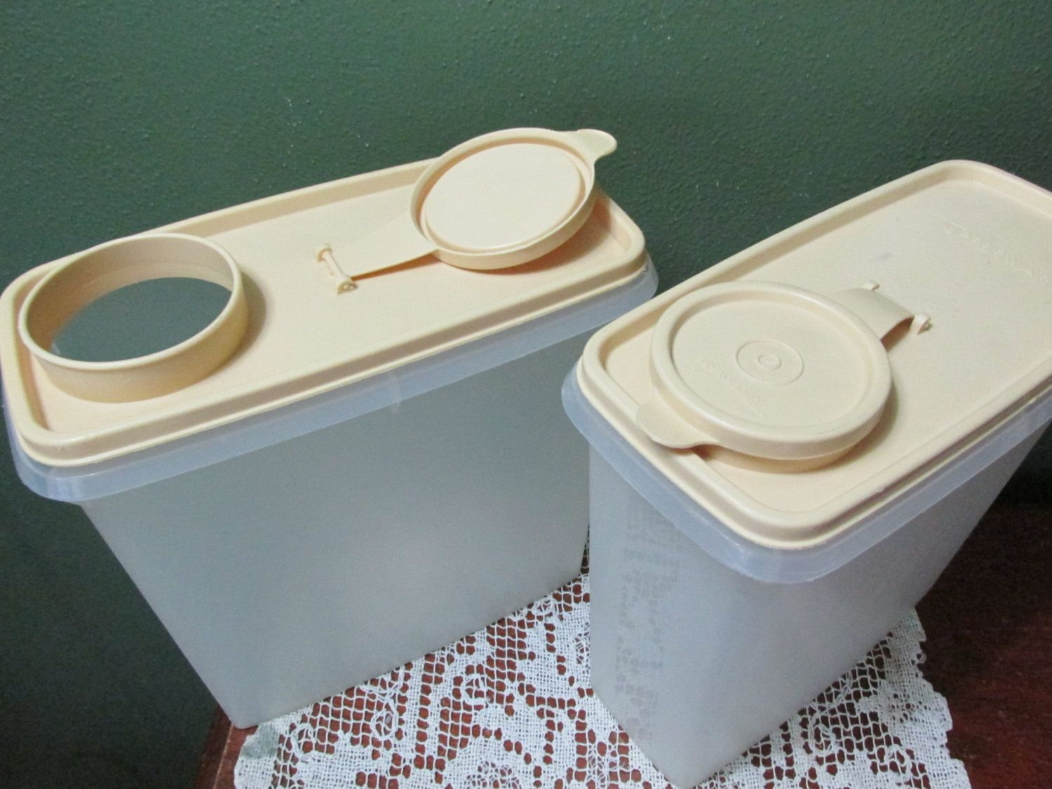 tupperware cereal keepers 2 with beige lids by luruuniques on etsy, Hause deko