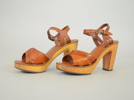 76ab91415e022 70's BARE TRAPS Stripe Wood + Leather PLATFORM Sandals Heels, size 7 ...