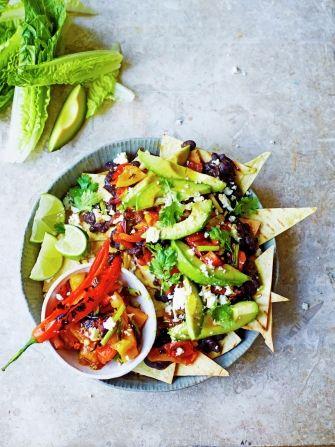 Vegetarian Nachos Recipe Jamie Oliver Vegetarian Recipes Recipe Veggie Nachos Vegetable Recipes Vegetarian Nachos