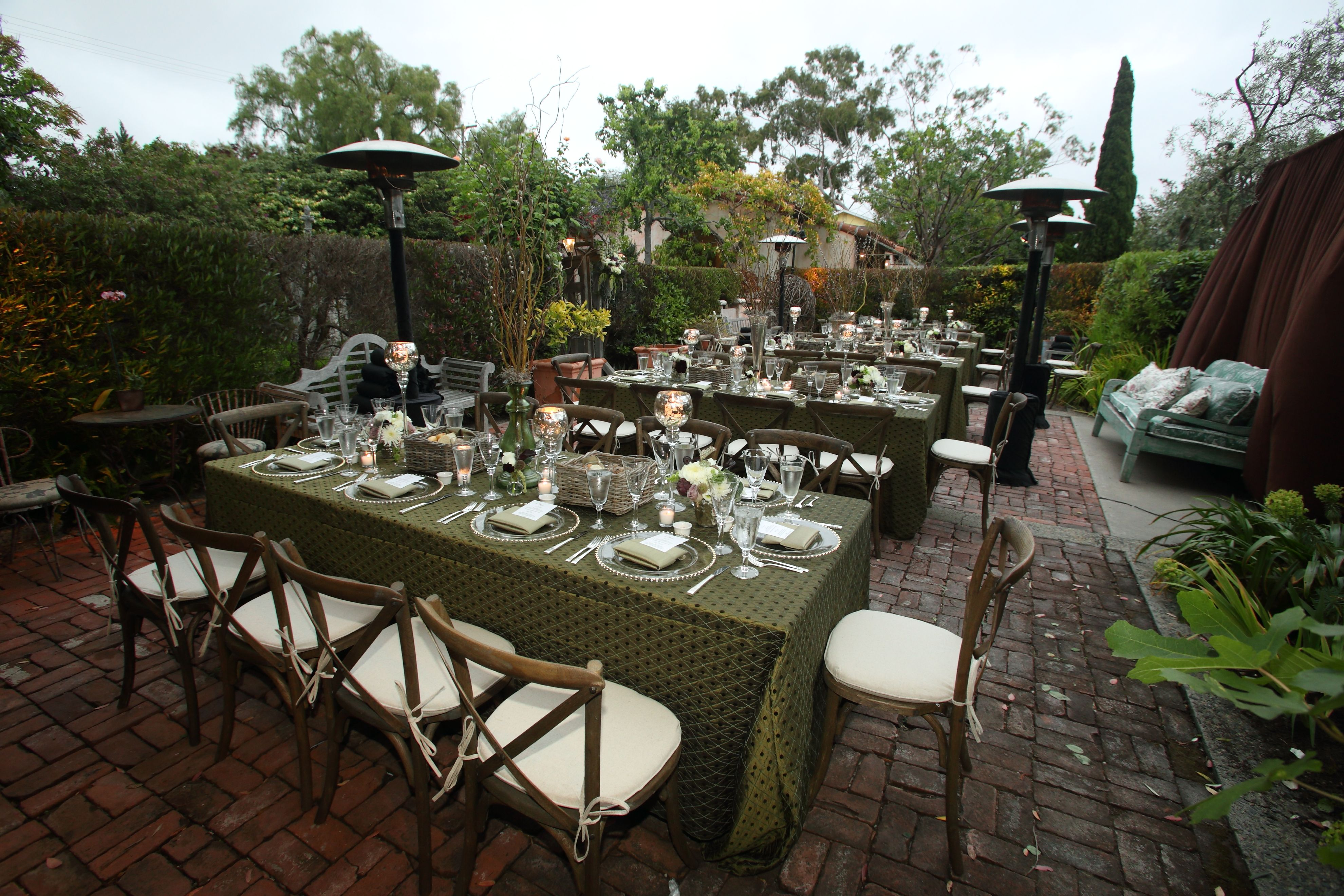 outdoor party event dinner rustic green | Cookout party