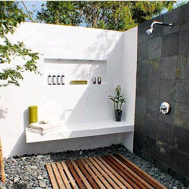 Outdoor Bathroom Black Rock Wall Feature With Chrome Rainfall Shower Head Chrome Tap And Mixe Outdoor Bathroom Design Outdoor Shower Enclosure Outdoor Shower