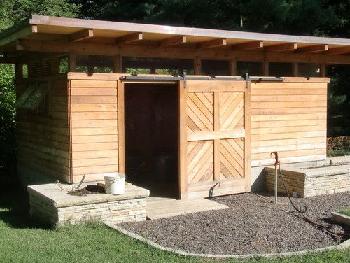 Barn Door For Shed With Loose Stone Driveway