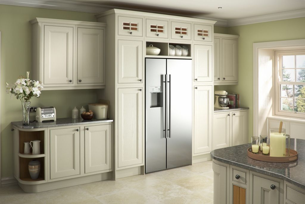 Burbidge 39 s tetbury kitchen painted in putty and bone - Putty colored kitchen cabinets ...