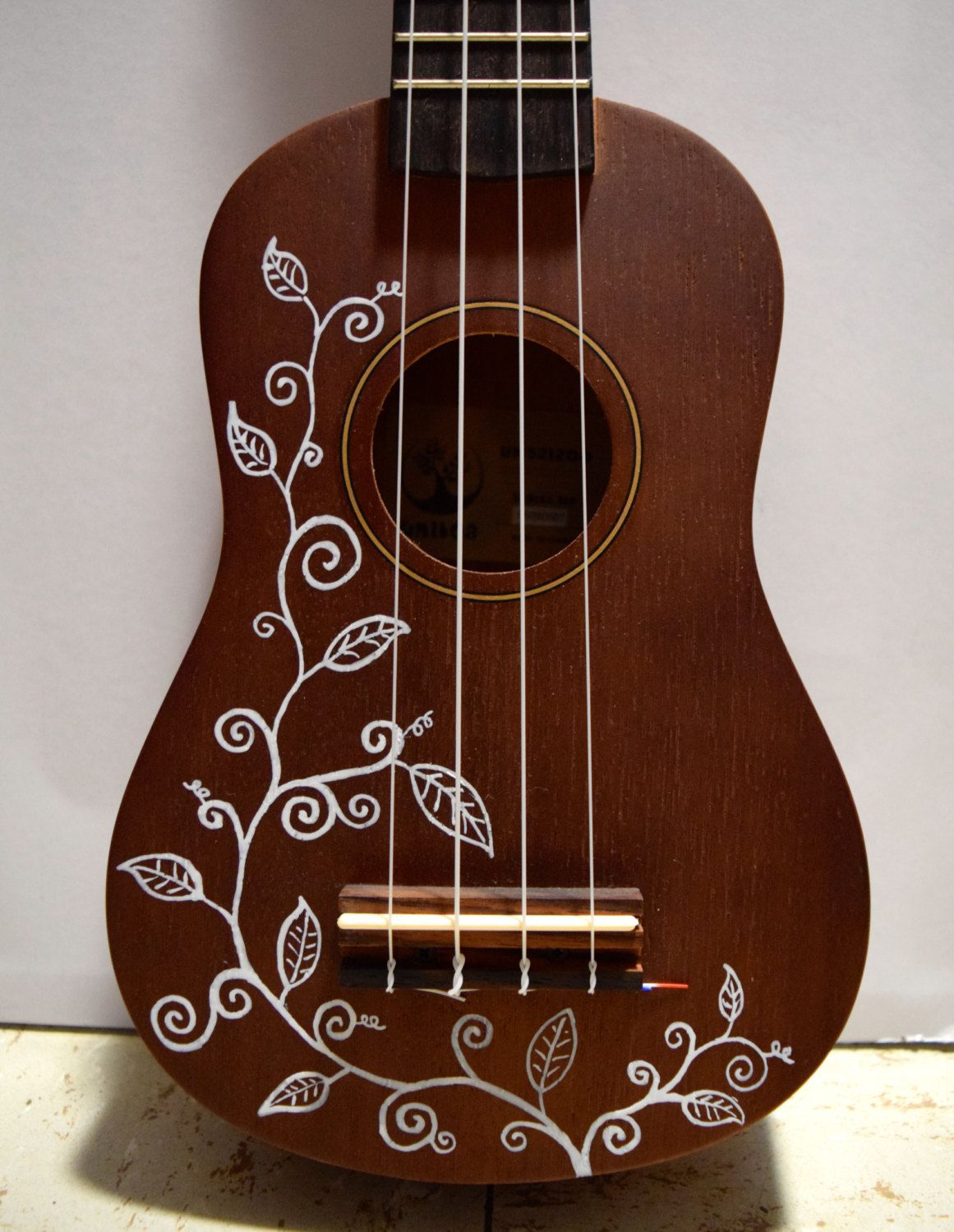 Guitarras Decoradas Soprano Ukulele With Hand Painted Design Vines