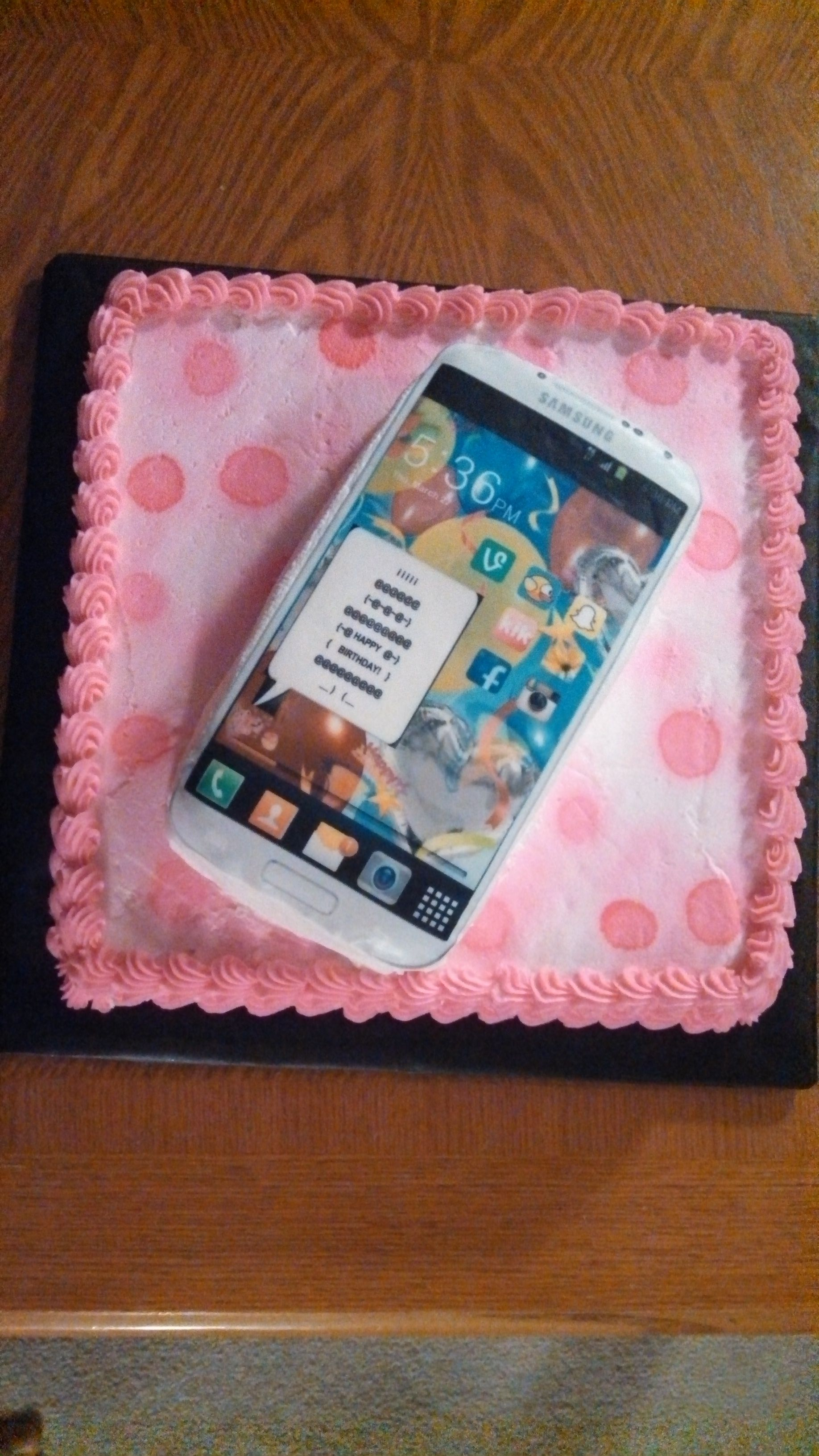 Cell phone birthday cake Cakes made by me Pinterest Birthday