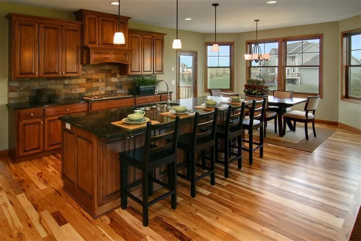 10328fb87e1b9210a407b212abf72f91 Jpg 719 480 Pixels Cherry Cabinets Kitchen Hickory Flooring Kitchen Wall Colors