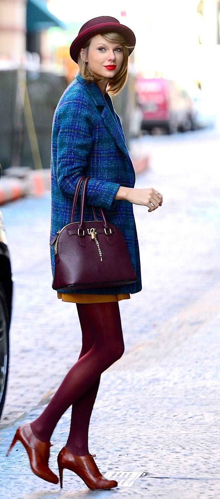 Taylor Swift ; Leaving her apartment, New York, November ...