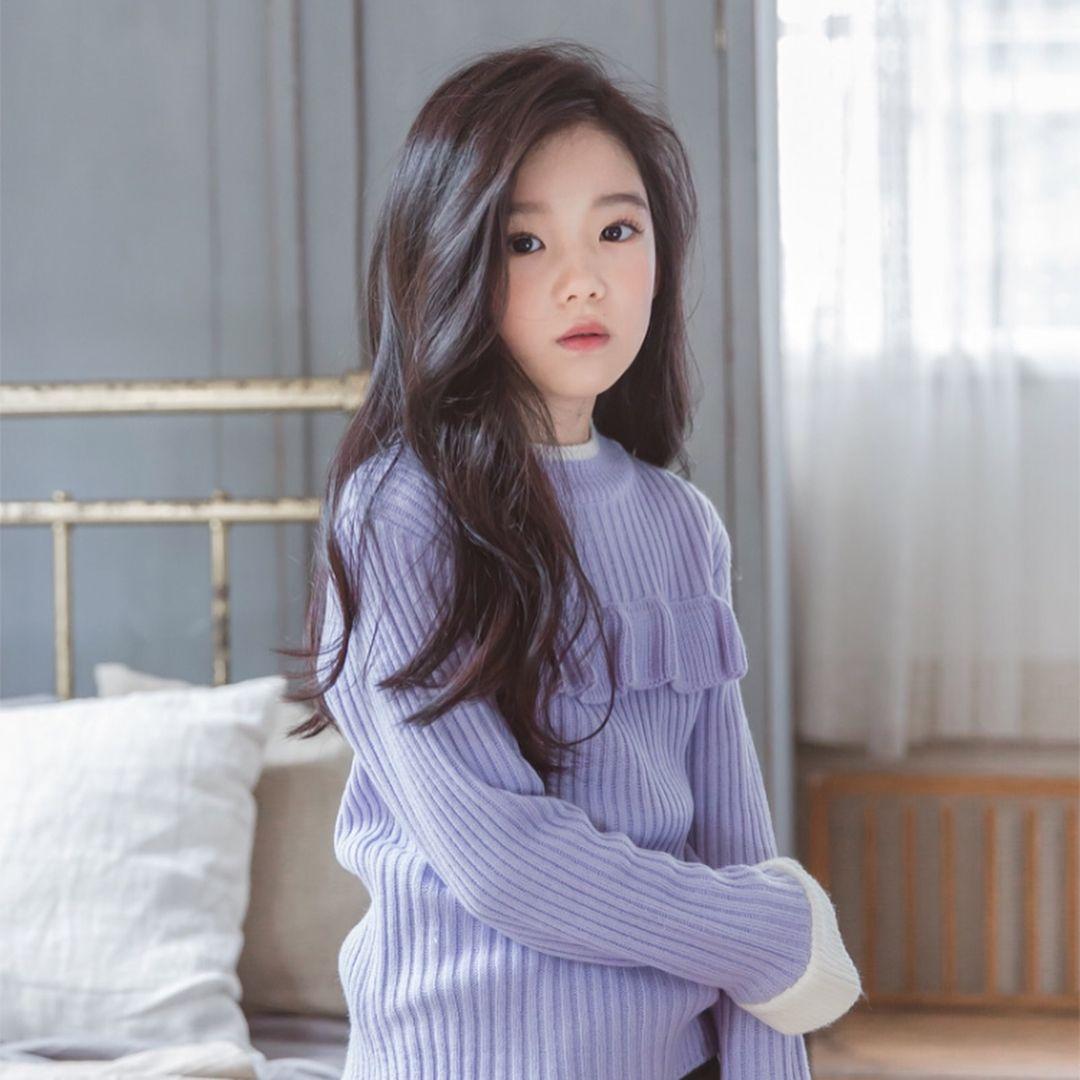 Очень красивая кореянка без одежды