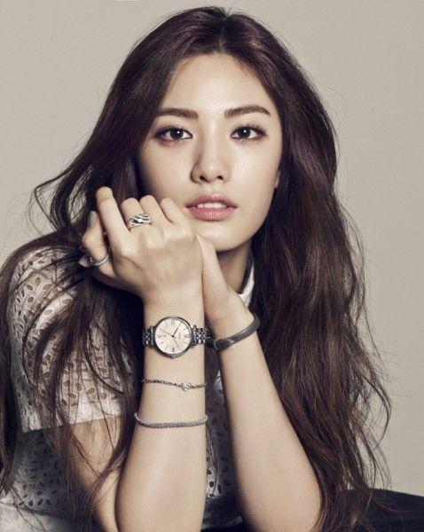 Female Idol Magazine Post Korean Eyebrows Asian Eyebrows Nana Afterschool