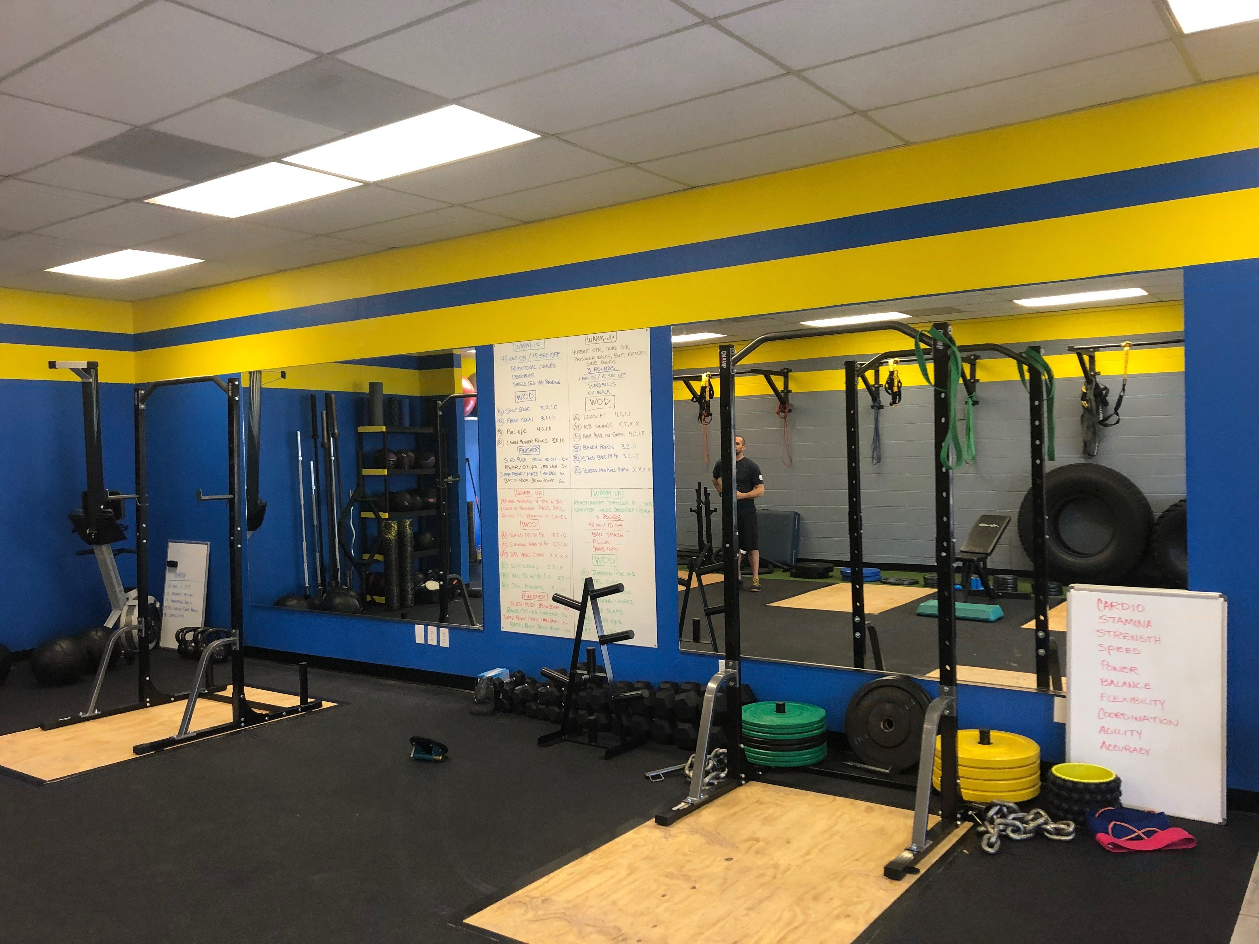 #Fitness #layout #Mirror #Personal #Studio Personal fitness studio mirror layout        Personal fit...