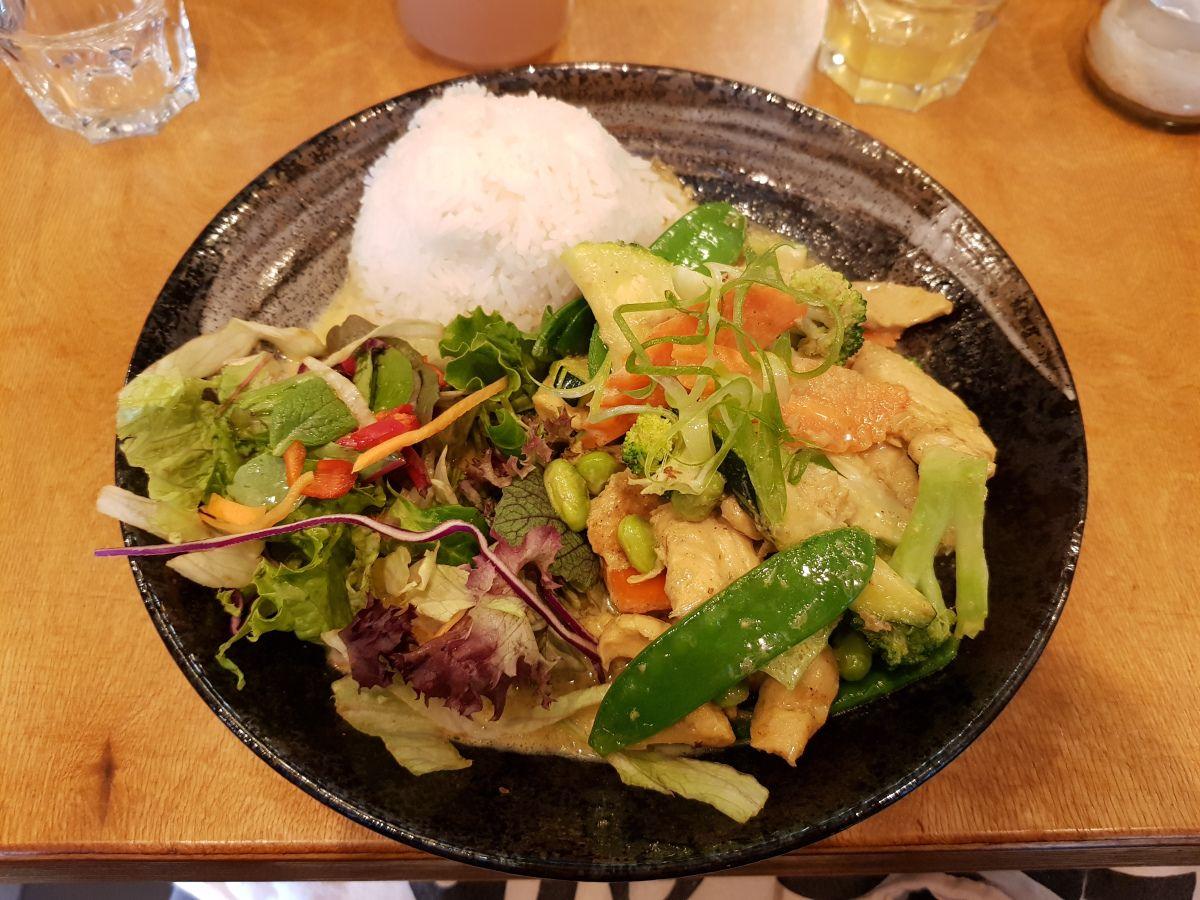 PHO Noodlebar in Zoologischer Garten, Berlin, Germany. Vietnamese Food.  #foodblogger #foodblog #instafoodie #grisgraublog #vietnamesischeküche #vietnamesefoodberlin #vietnamesepho #comidavietnamita #berlinrestaurant #pholover #phởbò #reisenachberlin #triptoberlin #viajeaberlín #phosoup #sopapho #phosuppe #supportberlinrestaurants