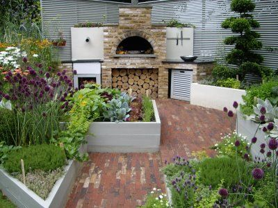 A Pizza Oven Plus An Edible Garden Can Only Ever End Well!