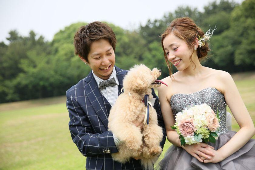 愛犬と一緒に撮影 ペットと撮るウエディングフォトをご紹介 ウエディング ウェディングドレス ウエディングフォト