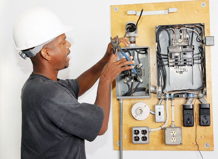 Why a Generator Needs a Transfer Switch (With images