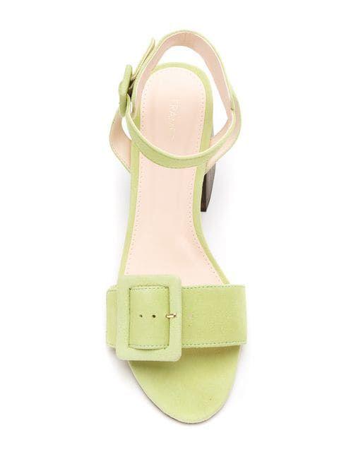 Mintgrün – die neue Trendfarbe für Sandalen