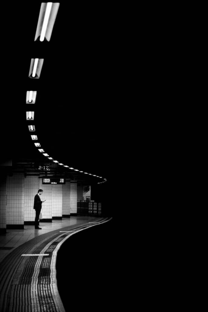 Street Photographer Captures the Solitude of Urban Life Through Light and Shadow