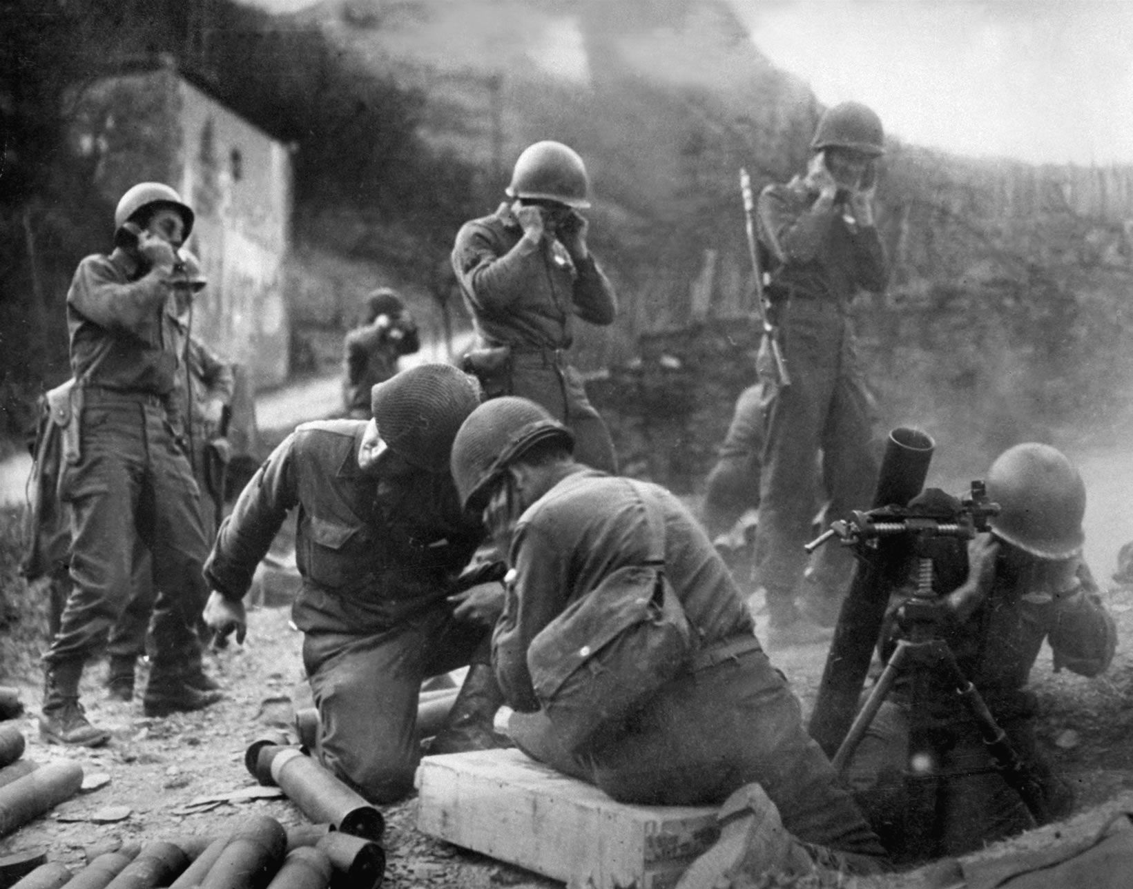 15 Astonishing World War 2 Photos That Bomb Your Senses With