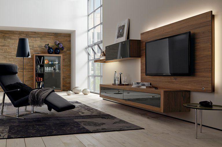 Meuble Tv Avec Ecran Plat Sur Un Panneau Retro Eclaire Hulsta Amenagement Salon Meuble Tv Decoration Salon
