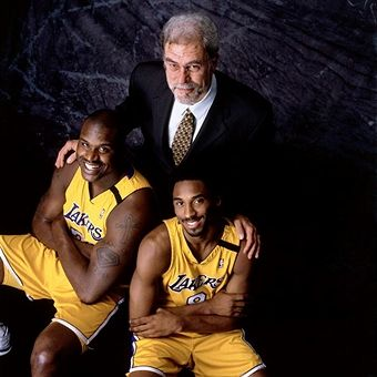 Head Coach Phil Jackson Center Shaquille O Neal And Kobe Bryant Of Kobe Bryant Pictures Shaq And Kobe Shaquille O Neal