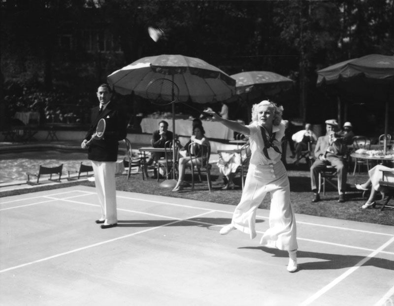 Jean Harlow At The Huntington Hotel Playing Badminton Around 1930 Lapl Bizarre Los Angeles Jean Harlow Old Hollywood Hollywood
