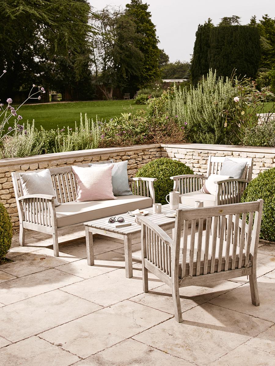 Ravello Lounge Set In 2020 Luxury Garden Furniture Outdoor Furniture Collections Modern Patio Furniture