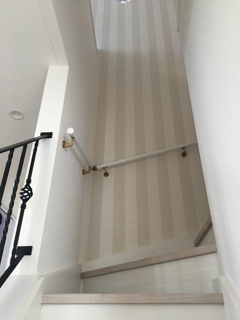 我が家のお気に入りの階段を紹介します アクセントクロスはベージュの