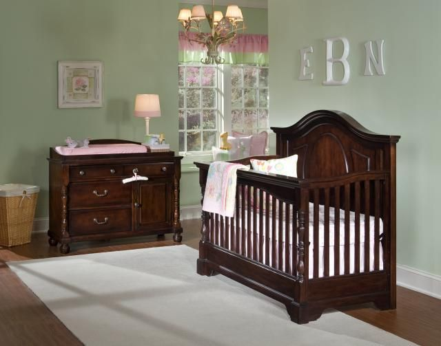 Savannah Convertible Grow With Me Crib