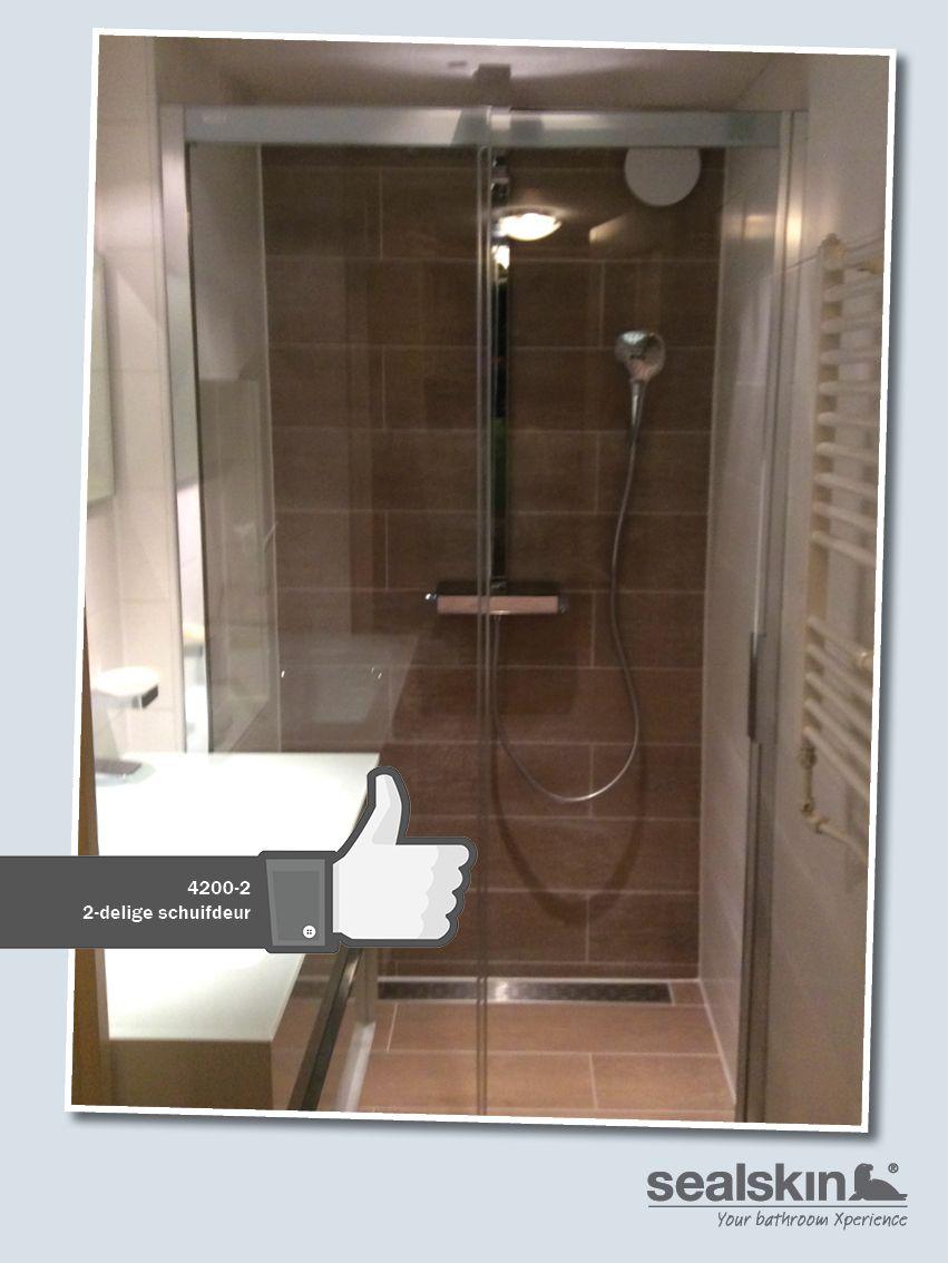 Geen ruime badkamer en toch ruim douchen? Volg het voorbeeld van fam ...