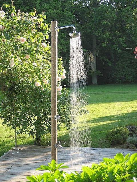 Decoracion de patios ducha exterior deck terrazas for Modelos de duchas modernas