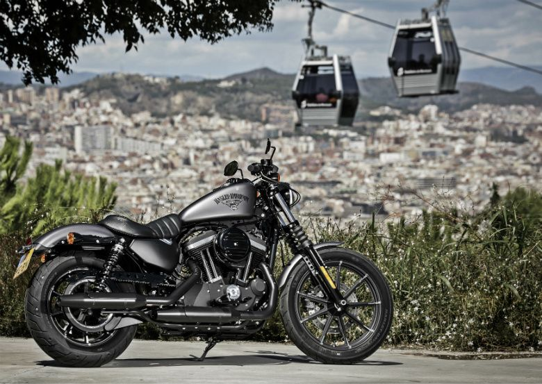 harley davidson the iron throne motos motorbikes pinterest motard ch vres et moto. Black Bedroom Furniture Sets. Home Design Ideas
