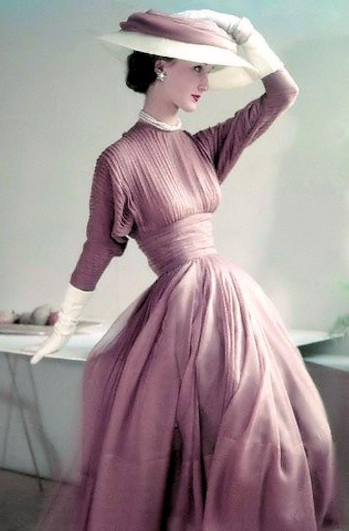 Lujoso Vestidos De Dama 1940 Foto - Ideas para el Banquete de Boda ...