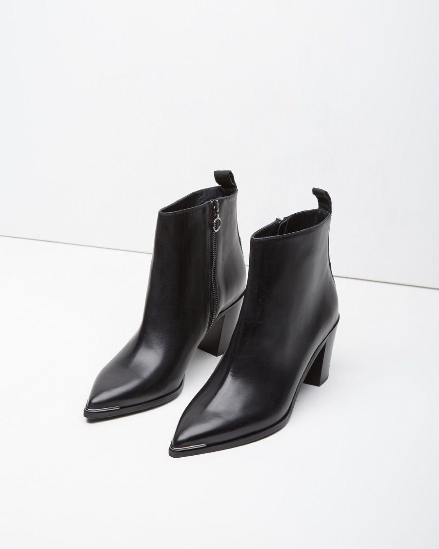 acne boots rea