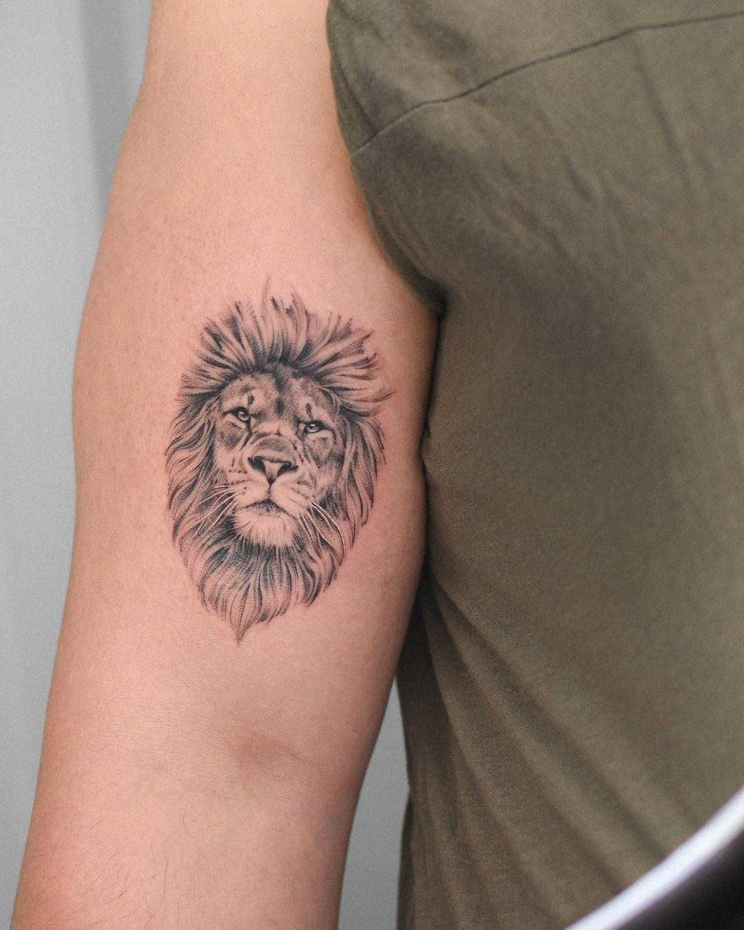 Hyper Realistic Lion Head Tattoo Inked On The Right Arm Small Lion Tattoo Lion Head Tattoos Lion Tattoo