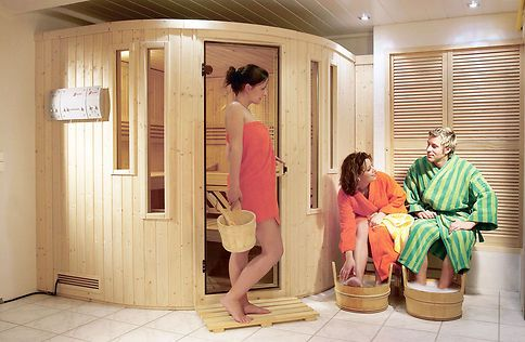 sauna im keller saunas. Black Bedroom Furniture Sets. Home Design Ideas