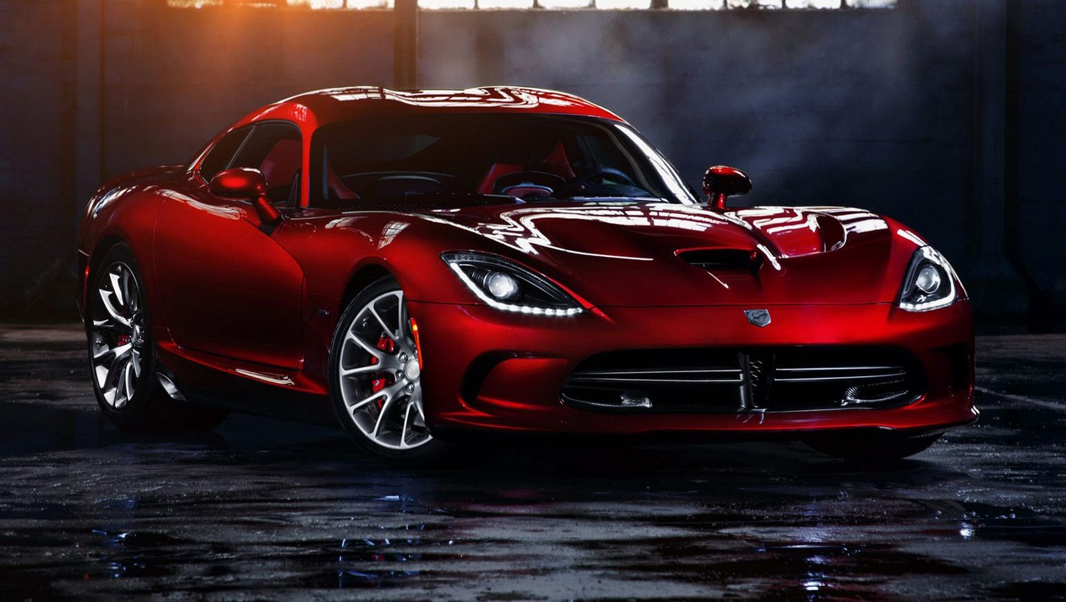 2013 Srt Viper With A 640 Hp V 10 And A Body Made Of Magnesium Aluminum And Carbon Fiber We Re Expecting Greatness Fr Dodge Viper Viper Gts Dodge Viper Gts