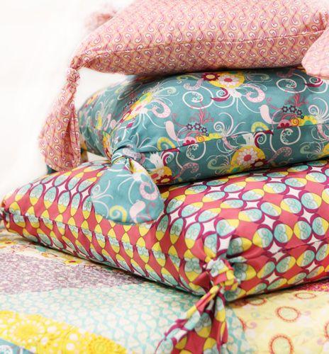 Free Sewing Patterns - Flirty Pillows & Free Sewing Patterns - Flirty Pillows | Sewing Inspiration ... pillowsntoast.com