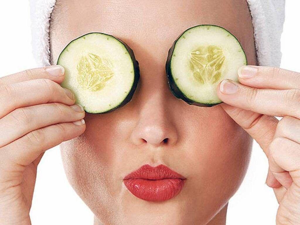 Como Quitar Las Bolsas De Los Ojos Pepino Mascarillas Para Ojos Bolsas De Ojos Ojeras Como Quitar