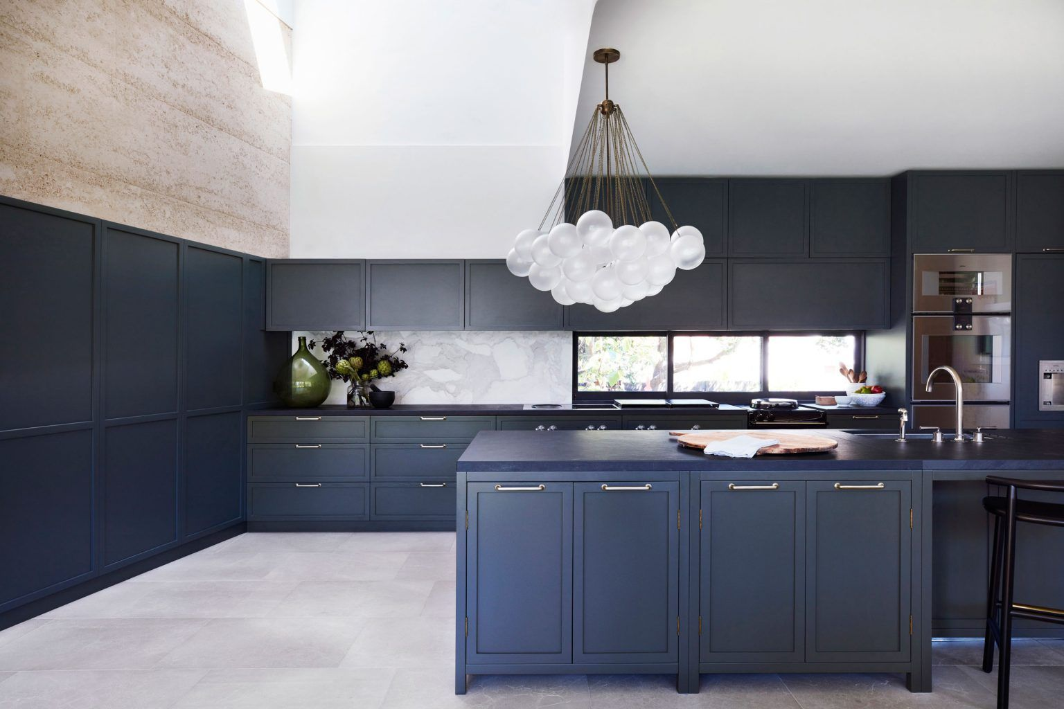 An Enduring Permanence The Village House By Luigi Rosselli Architects And Decus Interiors In 2020 Rammed Earth Homes Kitchen Design Kitchen Space