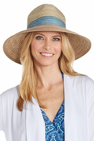 Ready to go with you on your boat or on your next vacation. Available in  two colors with a 4
